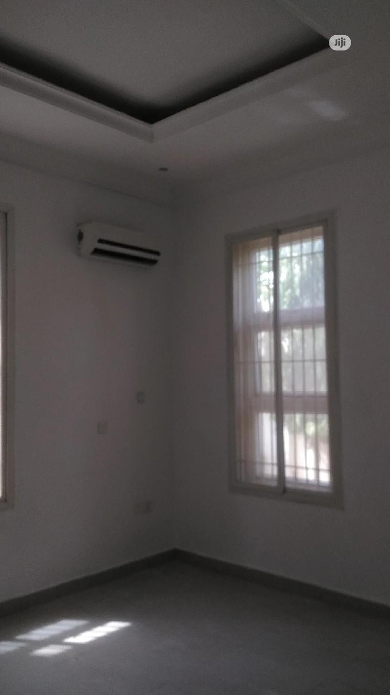 Very Sharp Fully Serviced Studio One Bedroom Flat