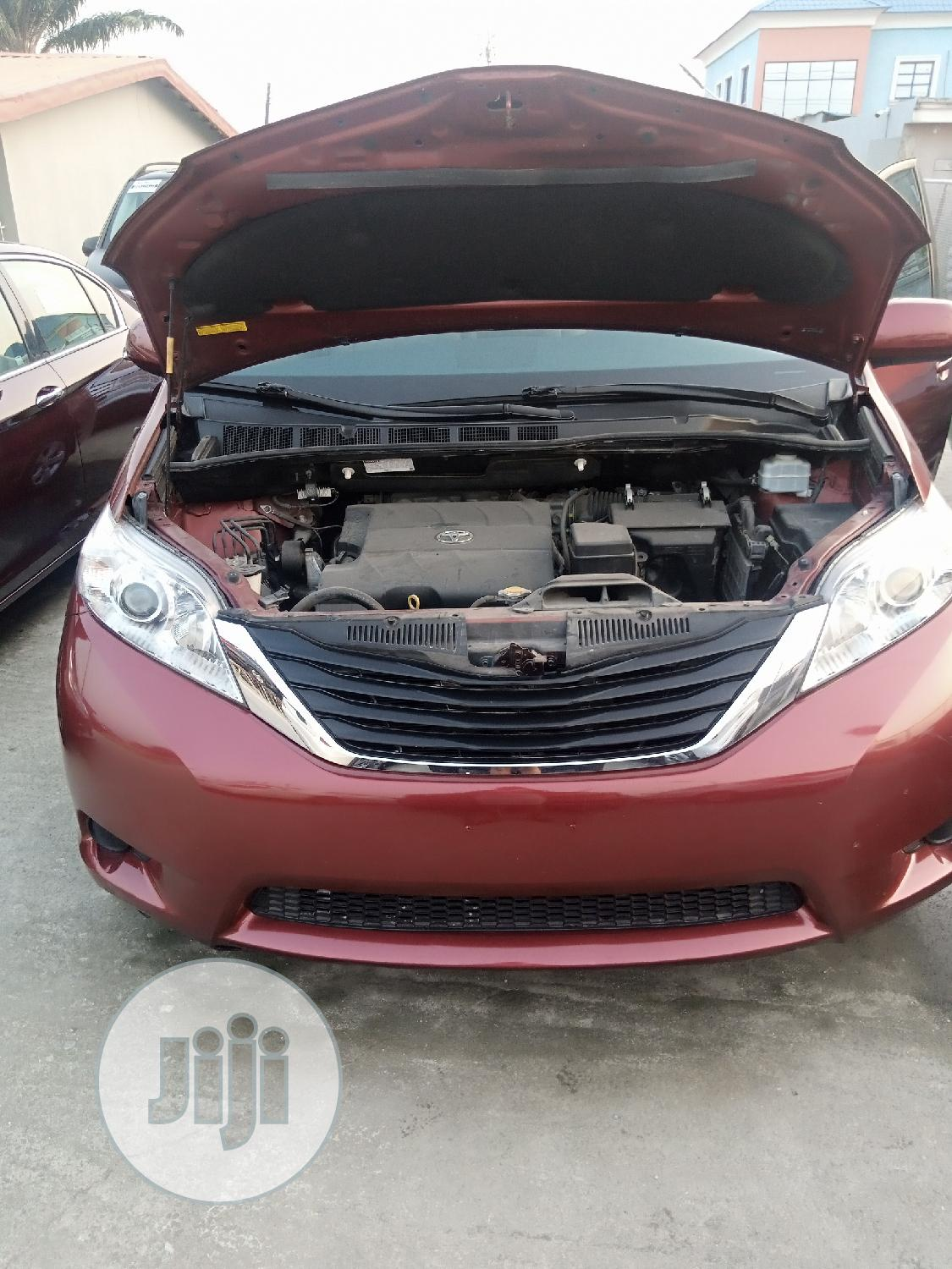 Toyota Sienna 2013 LE FWD 8-Passenger Red | Cars for sale in Amuwo-Odofin, Lagos State, Nigeria