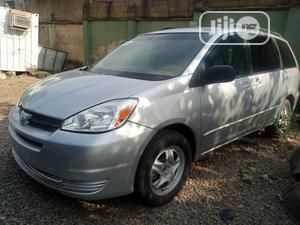 Toyota Sienna 2005 LE AWD Silver | Cars for sale in Abuja (FCT) State, Central Business District