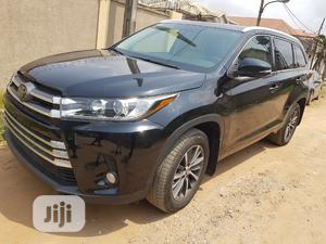 Toyota Highlander 2017 XLE 4x4 V6 (3.5L 6cyl 8A) Black | Cars for sale in Lagos State, Ifako-Ijaiye