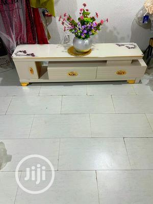Luxury Tv Stand With Extension   Furniture for sale in Abuja (FCT) State, Garki 2