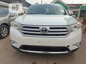 Toyota Highlander 2013 Limited 3.5l 4WD White | Cars for sale in Lagos State, Alimosho
