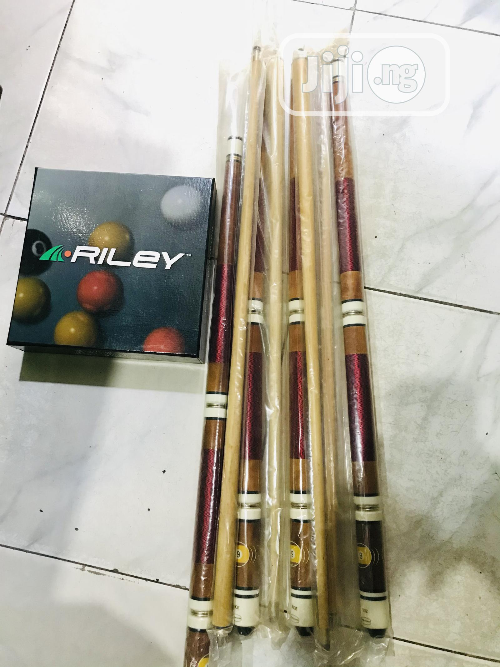 Snooker Sticks(Two Piece) and Balls