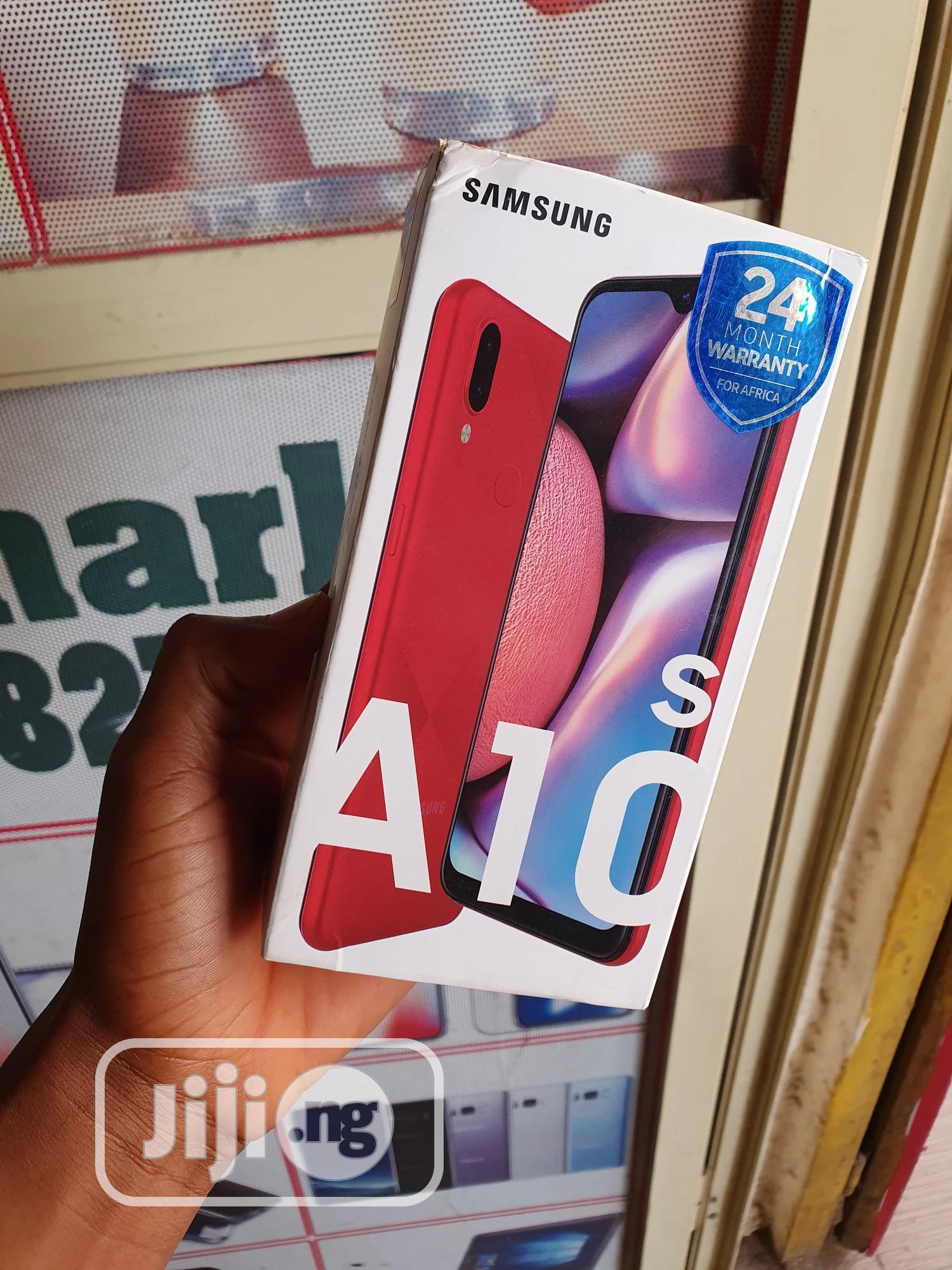 New Samsung Galaxy A10s 32 GB Red