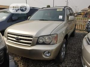 Toyota Highlander 2002 V6 FWD Gold | Cars for sale in Lagos State, Agege
