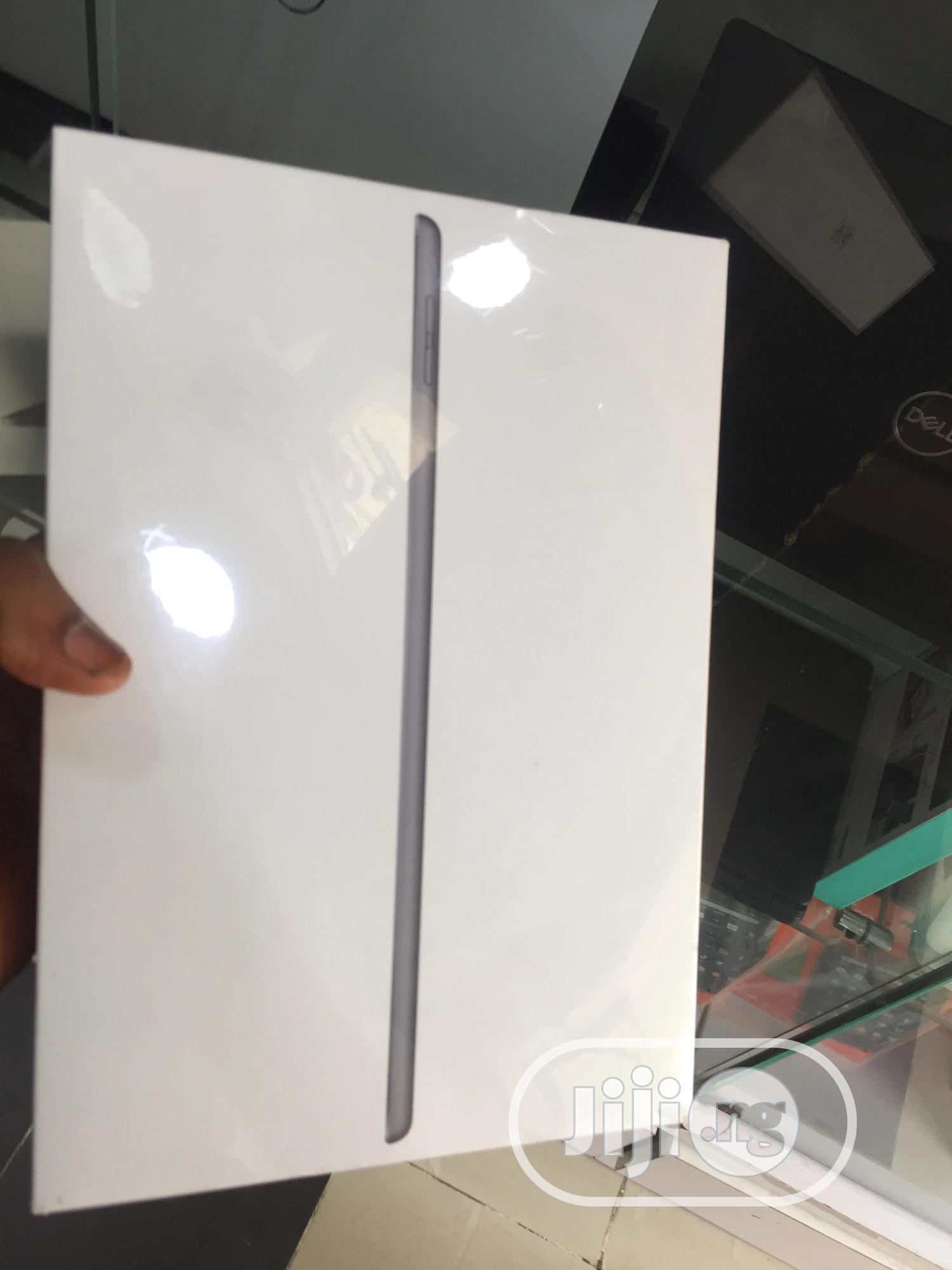 New Apple iPad 10.2 (2019) 32 GB Gray