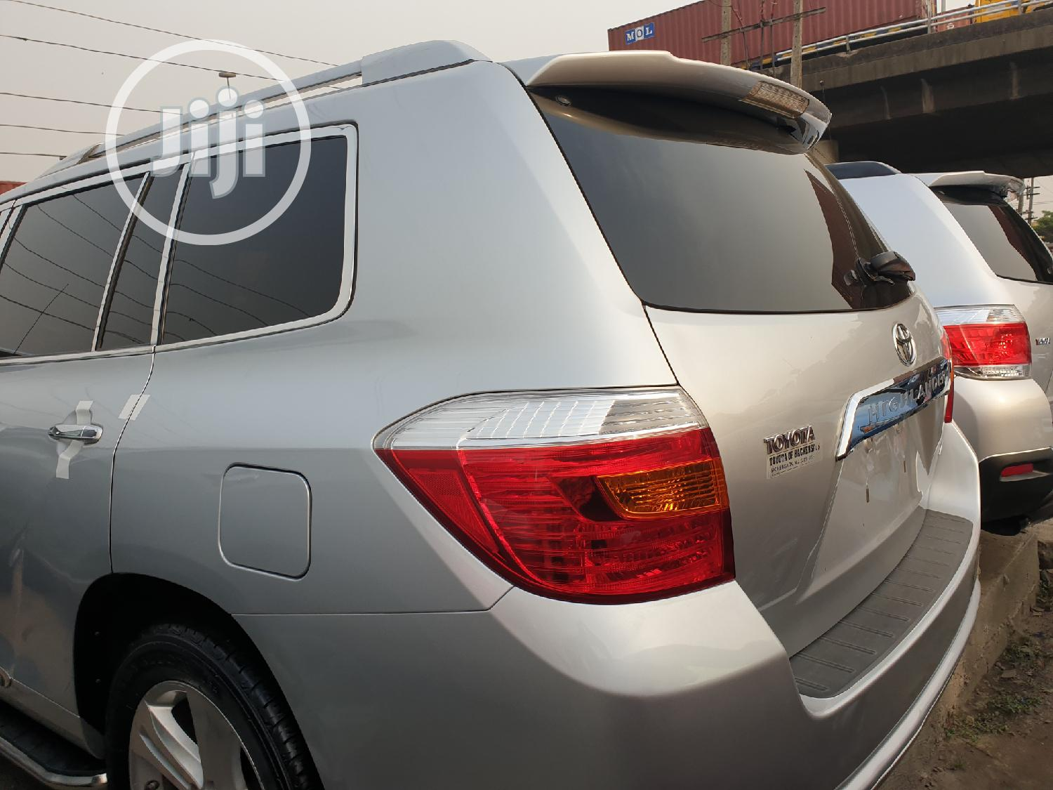 Archive: Toyota Highlander 2008 Limited 4x4 Silver