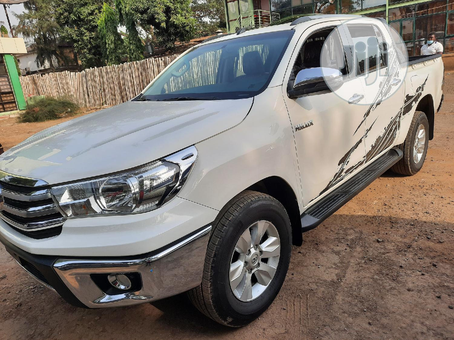 New Toyota Hilux 2020 White   Cars for sale in Central Business District, Abuja (FCT) State, Nigeria