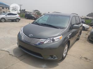 Toyota Sienna 2012 LE 8 Passenger Green   Cars for sale in Bayelsa State, Yenagoa