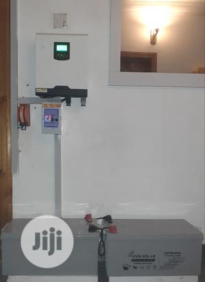 3kva Hybrid Inverter With 2X 12volt 200amp SMF Battery | Solar Energy for sale in Lagos State, Oshodi