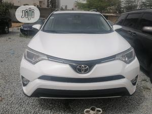 Toyota RAV4 2017 XLE FWD (2.5L 4cyl 6A) White   Cars for sale in Abuja (FCT) State, Jabi