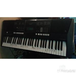 Used Yamaha Keyboard PSR E423   Musical Instruments & Gear for sale in Lagos State, Ojo