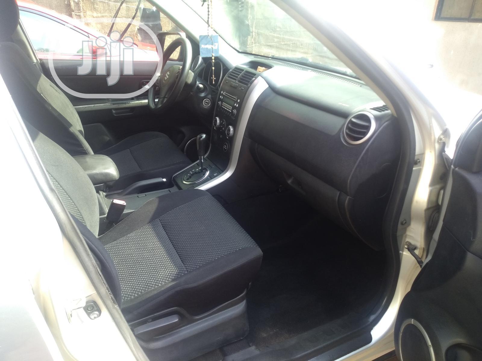 Archive: Suzuki Grand Vitara 2006 2.7 V6 XL7 Silver