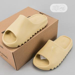 Original High Quality Unisex Yeezy Slippers | Shoes for sale in Abuja (FCT) State, Central Business District