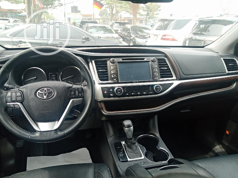 Archive: Toyota Highlander 2015 Silver