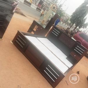 6 X 6 Executive Bed Frame With Dresssing Mirror | Furniture for sale in Lagos State, Ogba