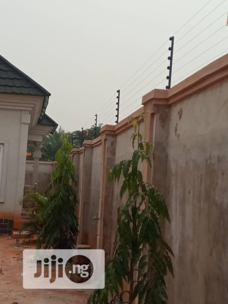 Electric Perimeter Fence Security