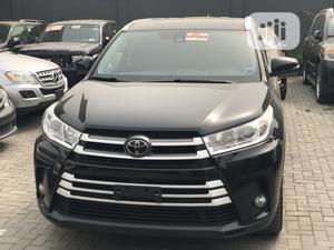 Toyota Highlander 2017 XLE 4x4 V6 (3.5L 6cyl 8A) Black | Cars for sale in Lagos State, Kosofe