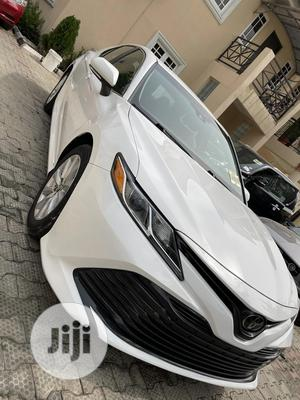 Toyota Camry 2018 LE FWD (2.5L 4cyl 8AM) White   Cars for sale in Lagos State, Lekki