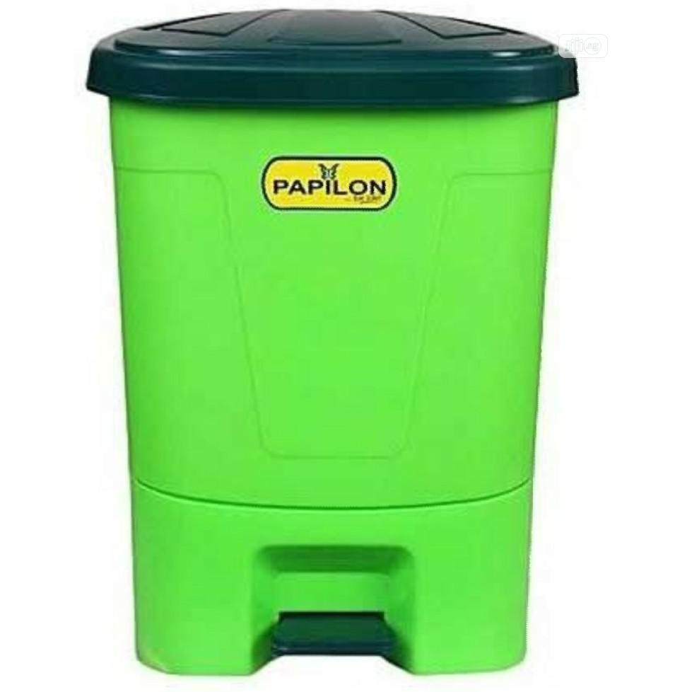 Archive: Plastic Waste Bin With Pedal