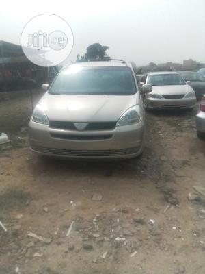 Toyota Sienna 2005 Gold | Cars for sale in Lagos State, Amuwo-Odofin