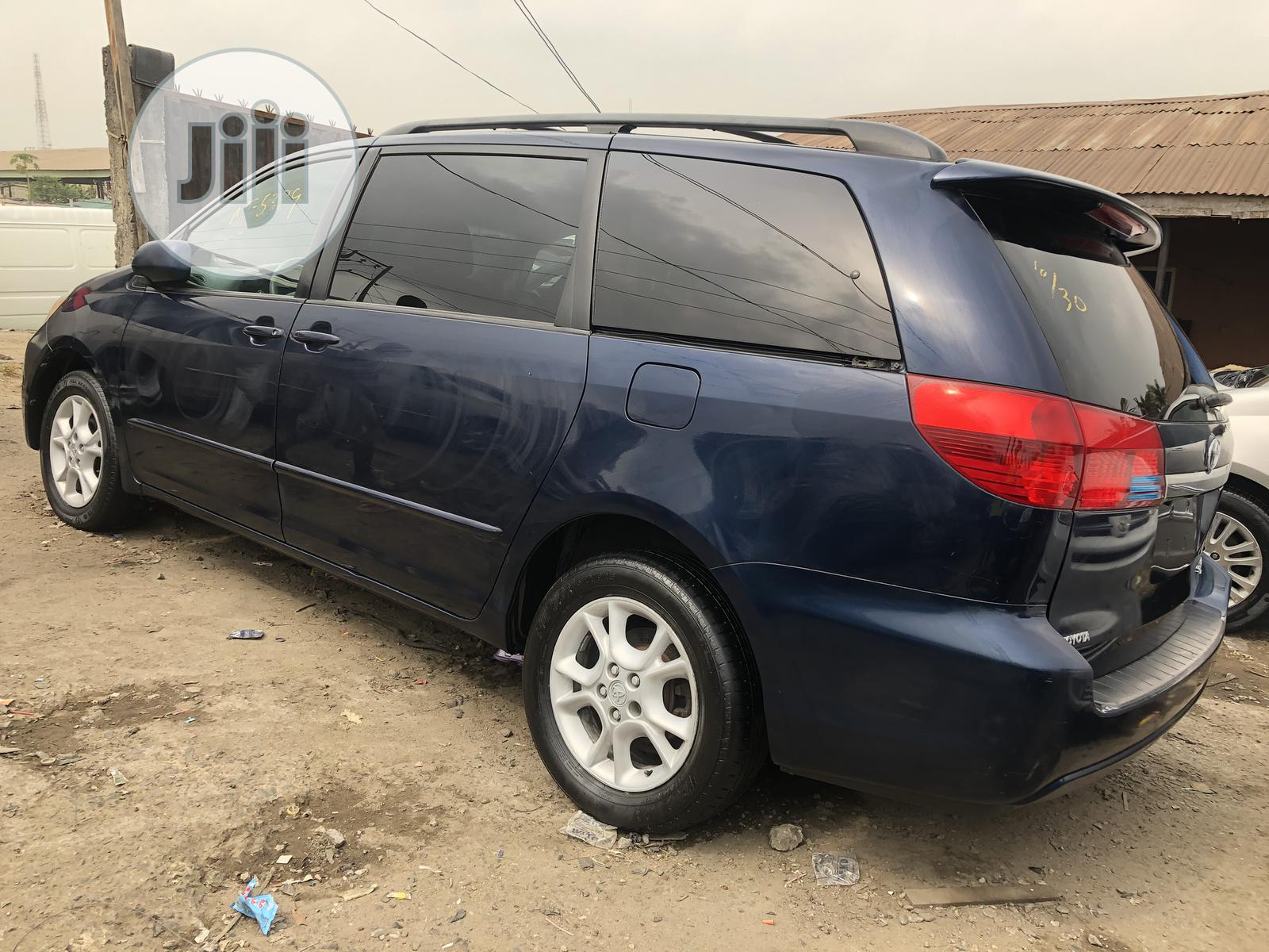 Toyota Sienna 2005 XLE Limited Blue | Cars for sale in Apapa, Lagos State, Nigeria