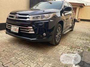 Toyota Highlander 2018 XLE 4x4 V6 (3.5L 6cyl 8A) Black | Cars for sale in Lagos State, Ogudu