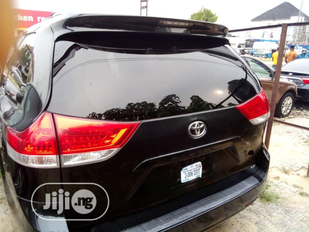 Toyota Sienna 2012 LE 7 Passenger Mobility Black | Cars for sale in Warri, Delta State, Nigeria