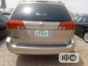 Toyota Sienna 2010 Gold | Cars for sale in Abuja (FCT) State, Wuse