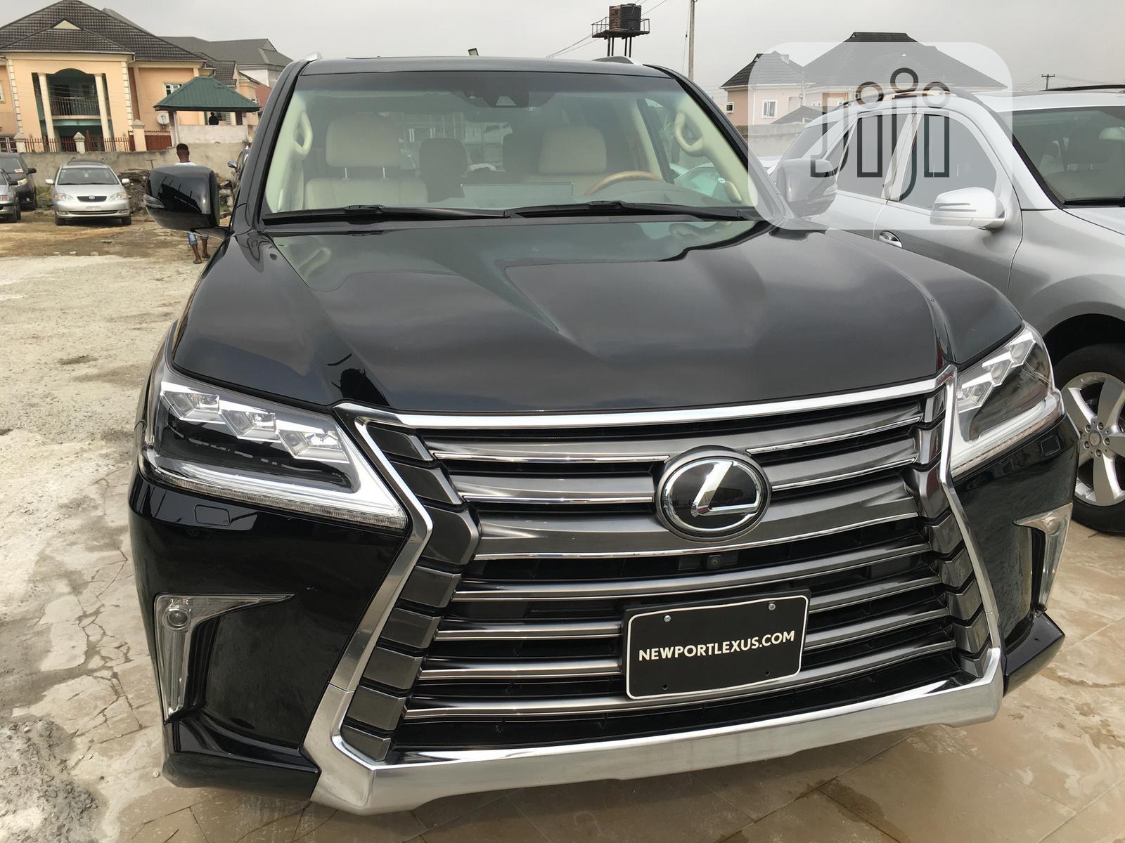 Archive: Lexus LX 2018 Black