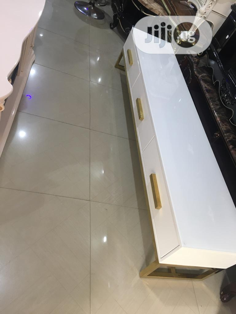 Center Table and TV STAND   Furniture for sale in Ojo, Lagos State, Nigeria