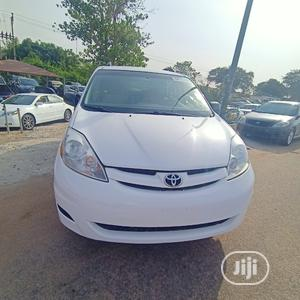 Toyota Sienna 2008 LE White   Cars for sale in Abuja (FCT) State, Central Business District
