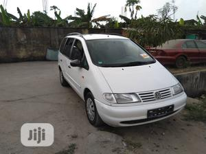 Volkswagen Sharan 1999 2.0 White   Cars for sale in Lagos State, Surulere