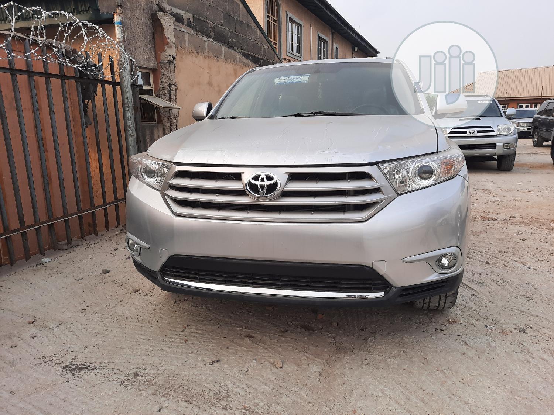 Toyota Highlander 2012 SE Silver   Cars for sale in Amuwo-Odofin, Lagos State, Nigeria