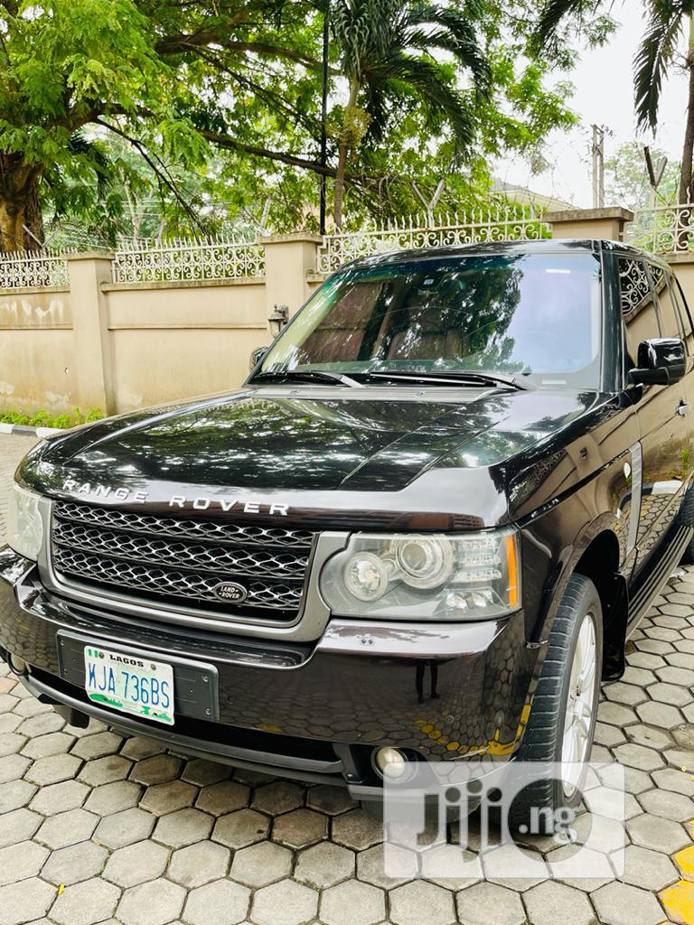 Archive: Land Rover Range Rover Vogue 2011 Black