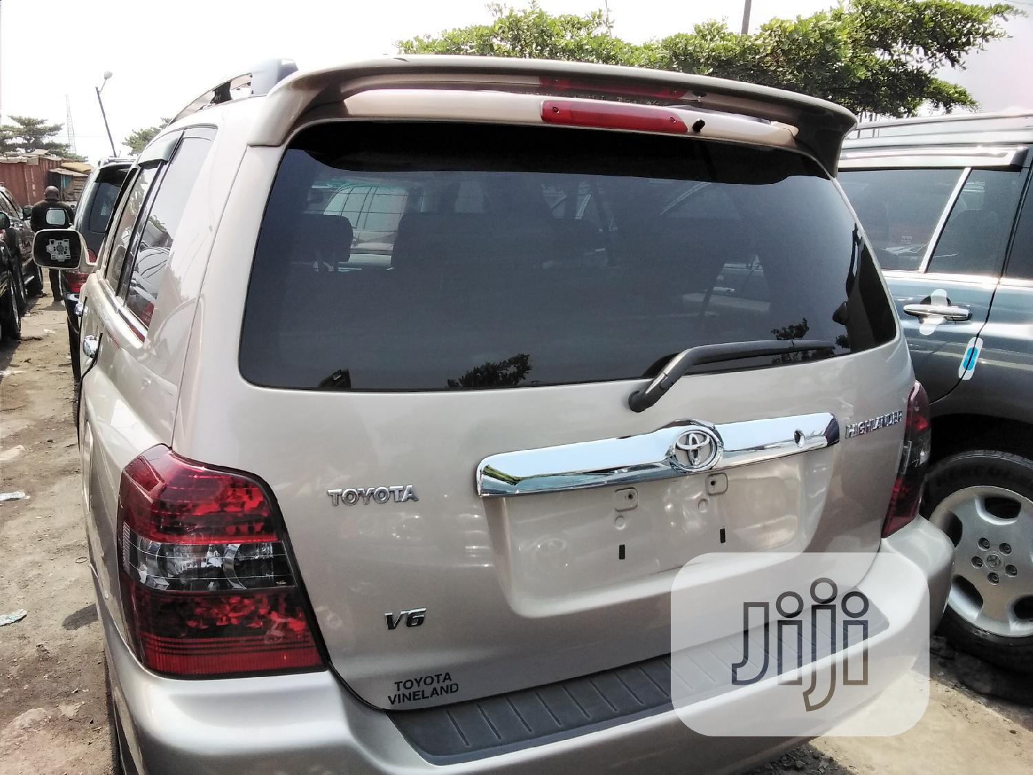 Toyota Highlander 2005 4x4 Silver   Cars for sale in Apapa, Lagos State, Nigeria