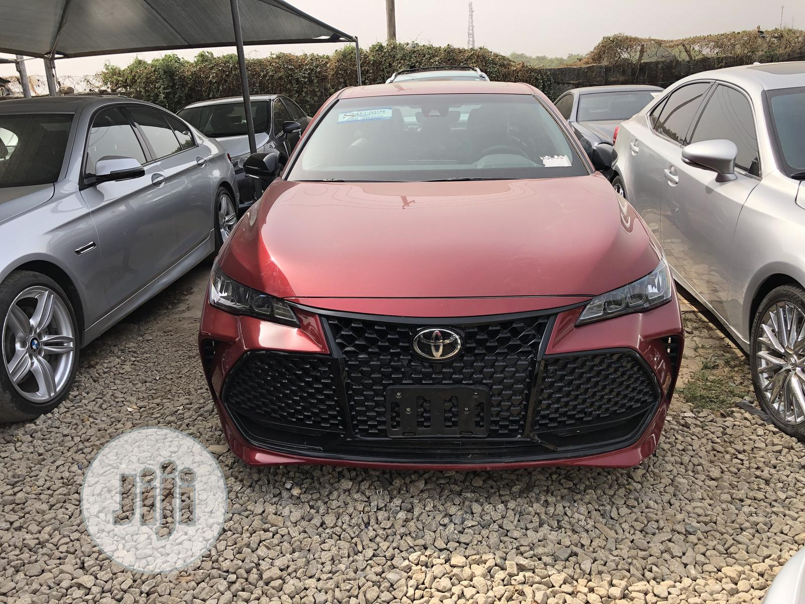 Archive: Toyota Avalon 2018 Red