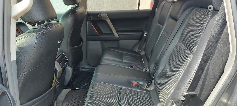 Archive: Toyota Land Cruiser Prado 2013 4.0 I Gray