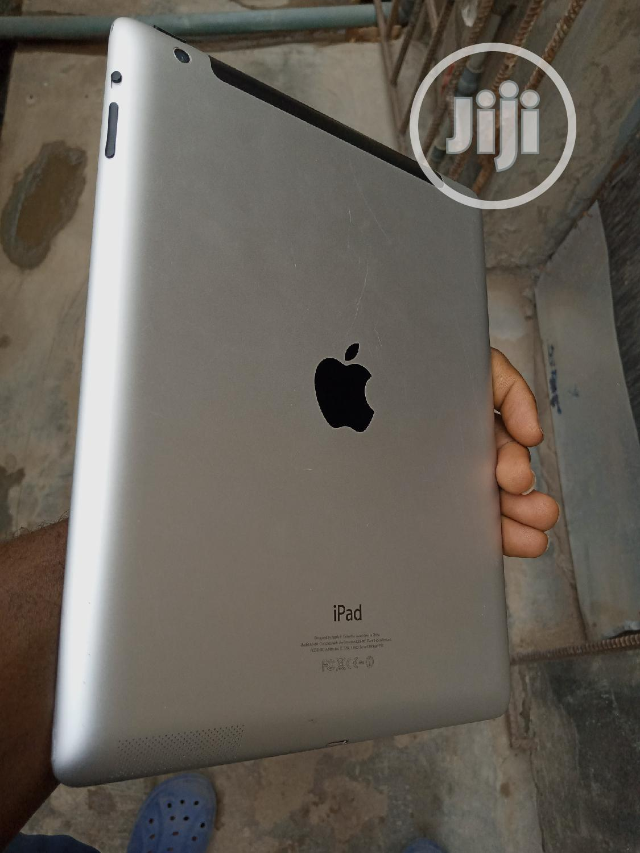 Archive: Apple iPad 4 Wi-Fi 16 GB Gray