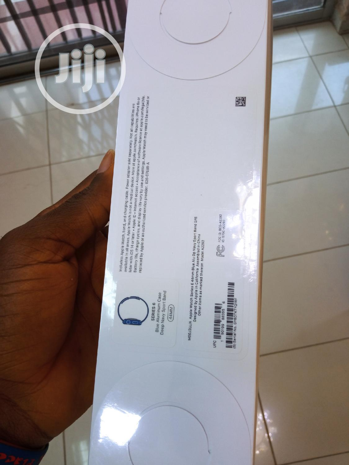 Archive: Apple Watch Series 6 44mm Deep Navy Sport Band