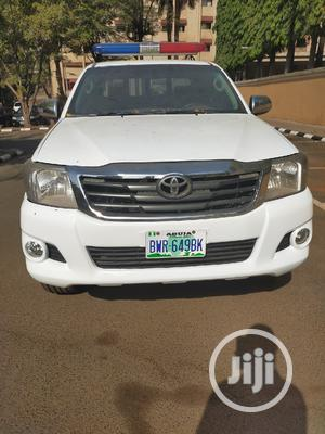 Toyota Hilux 2013 SR 4x4 White | Cars for sale in Abuja (FCT) State, Central Business District