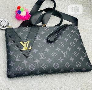 Louis Vuitton Classic Design ARMPIT Purse/Crossbody   Bags for sale in Lagos State, Lagos Island (Eko)