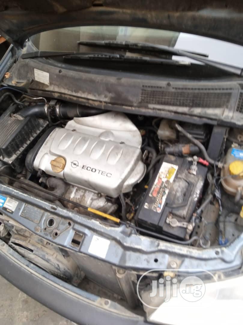 Archive: Opel Zafira 2003 Blue