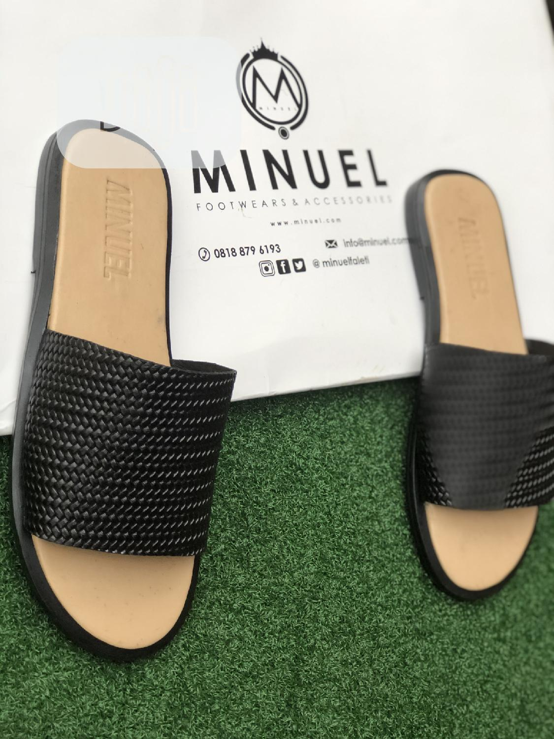Cover Palm Slippers in Cream Amd Black