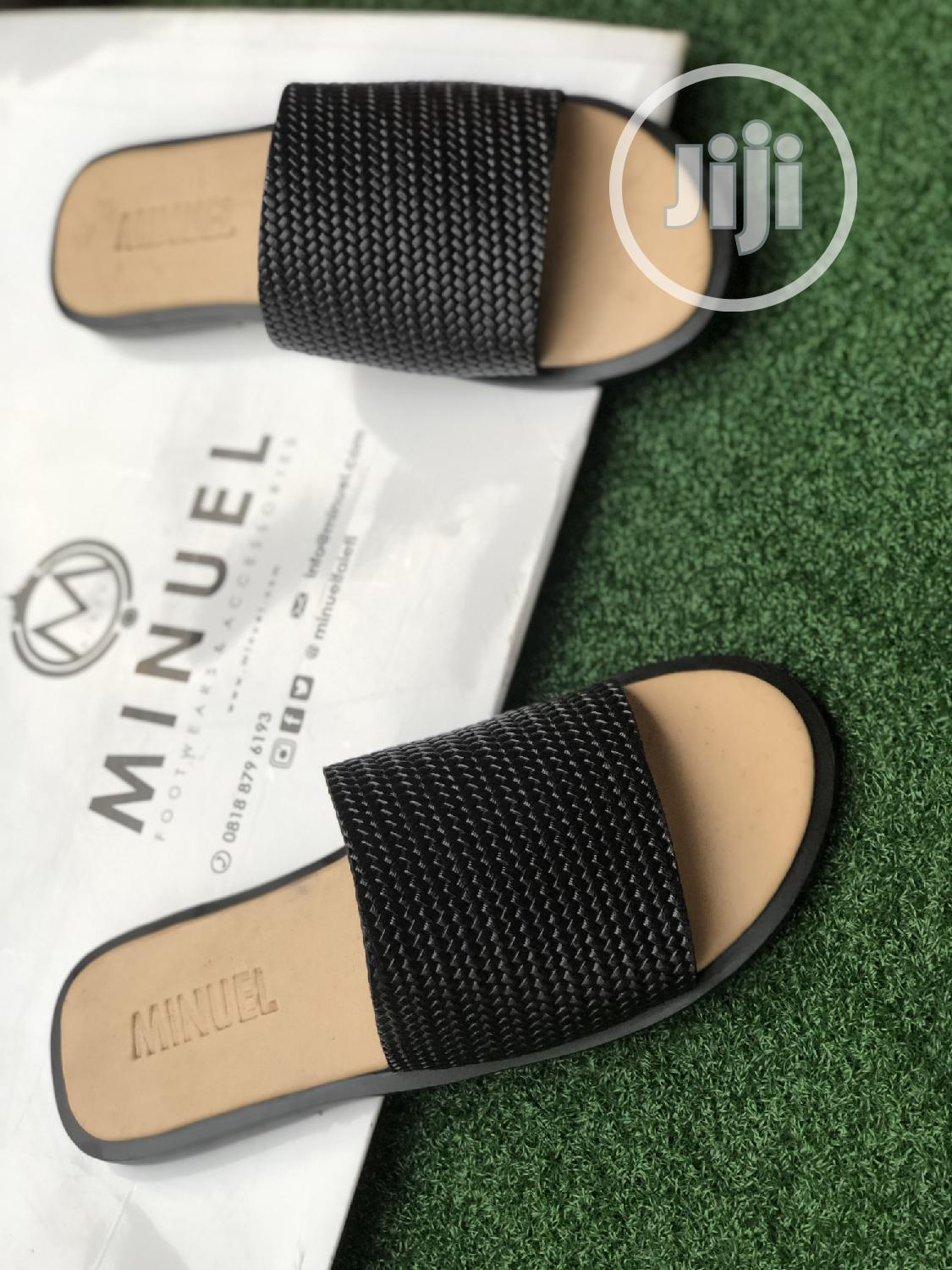 Cover Palm Slippers in Cream Amd Black | Shoes for sale in Mushin, Lagos State, Nigeria