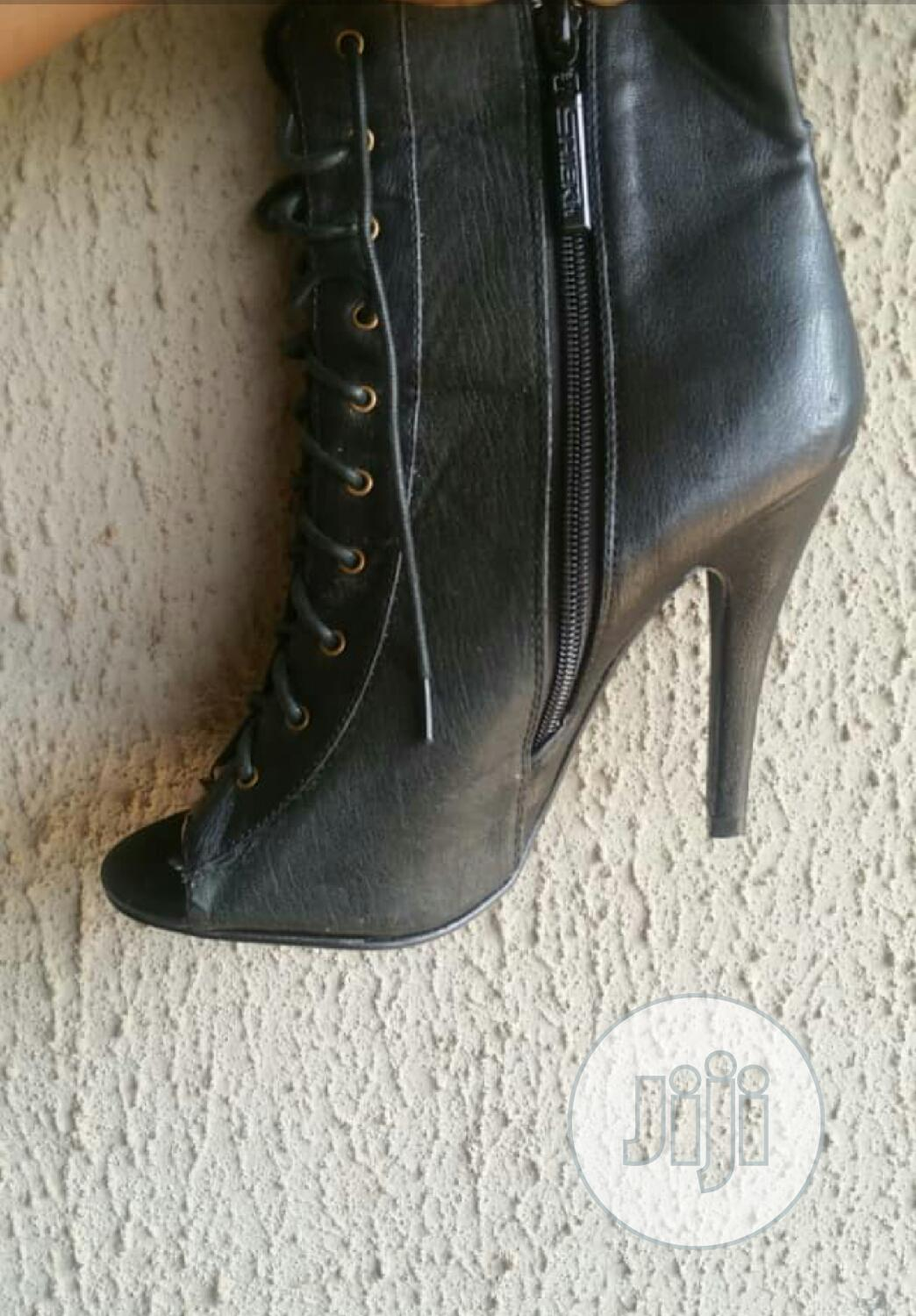 Archive: Neatly Used Leather Boots