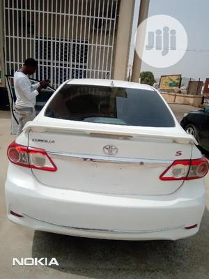 Toyota Corolla 2012 White   Cars for sale in Abuja (FCT) State, Wuse