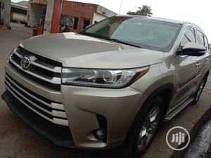 Toyota Highlander 2015 Gold   Cars for sale in Lagos State, Amuwo-Odofin