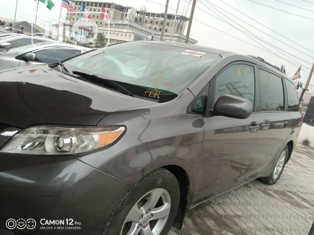 Toyota Sienna 2011 LE 7 Passenger Mobility Gray | Cars for sale in Ajah, Lagos State, Nigeria