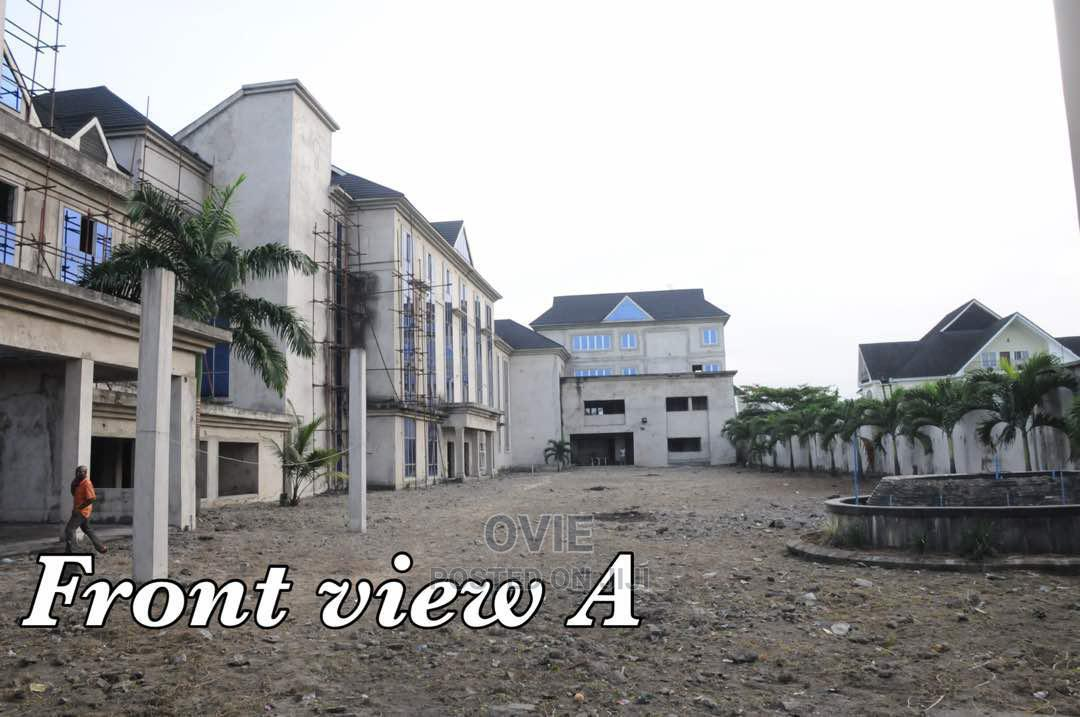 Archive: 73 Rooms Hotel With C/O